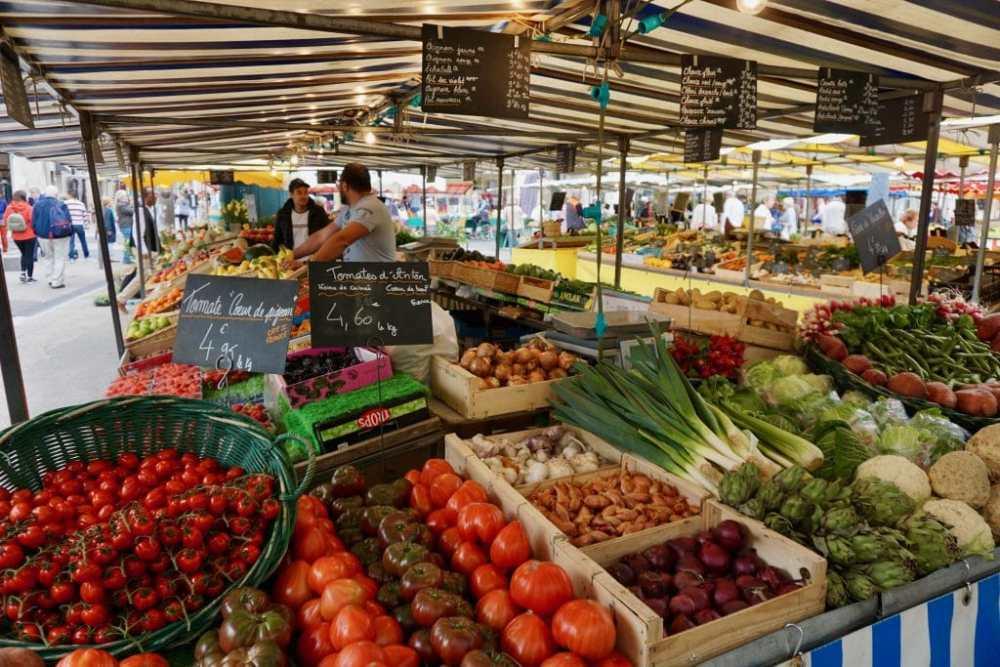 Le Marché de La Rochelle et ses légumes frais