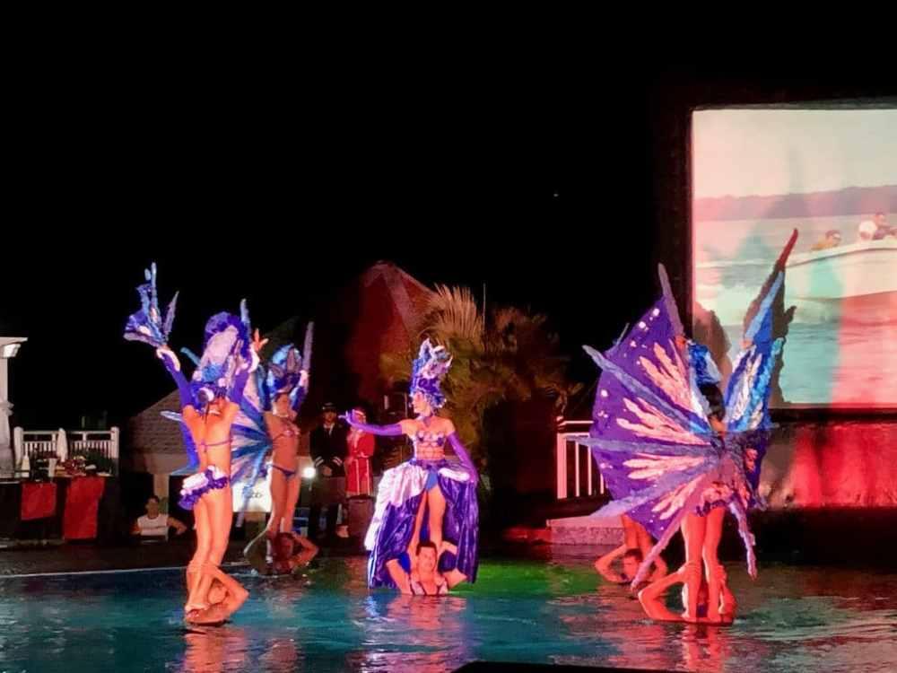 Spectacle à grand déploiement au tout-inclus Flamingo Cayo Coco à Cuba