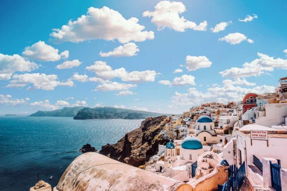 Voyager en Grèce hors saison peut être difficile vu la rareté des bateaux entre les îles