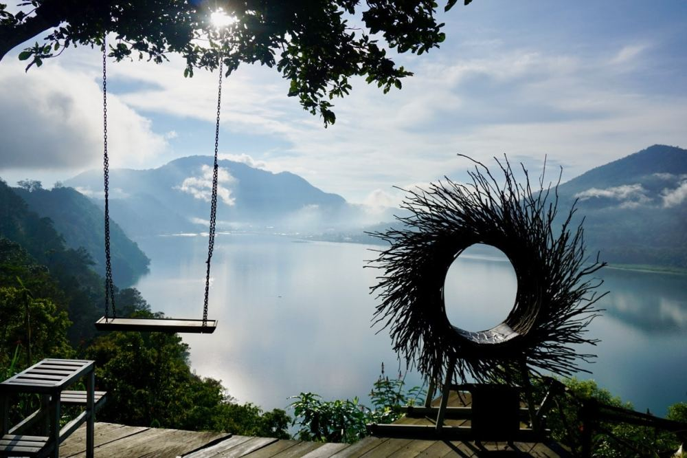 Vue Lac Danau Buyan Munduk Bali, Indonésie, à un arrêt Instagram sur la route
