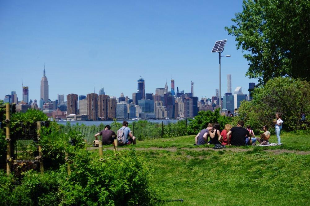 La vue depuis le East River park à Brooklyn NY