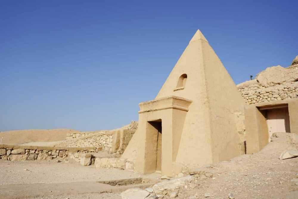 Tombeau dans la Vallée des Paysans Louxor Egypte