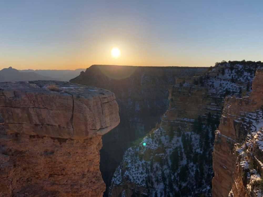 Lever de soleil sur le Grand Canyon aux petites heures du matin