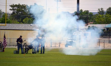 Civil War re-enactment thrills large audience