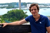 Laurens in the cable car in Singapore.