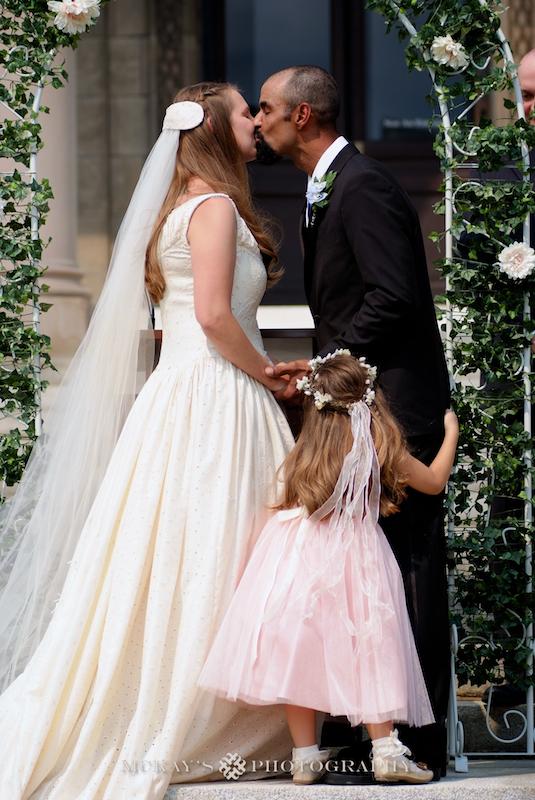 Memorial Art Gallery wedding pictures by top Rochester Wedding Photographer Heather McKay