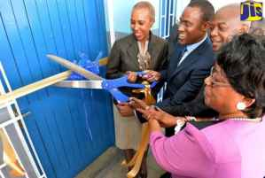 PHOTOS: Opening of Computer Lab at Maverley Primary