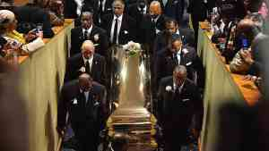 Aretha Franklin FINAL funeral – Carried down her last-ever red carpet
