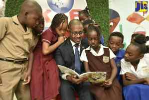 PHOTOS: Hon. Floyd Green Participates in Kingston Bookshop Annual Reading Day