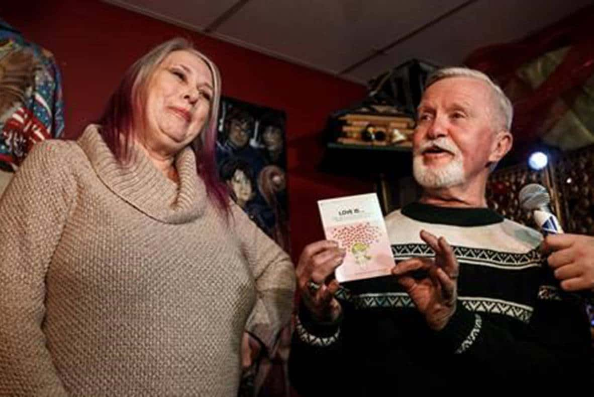 Girl opens Christmas present she gave to boy when she dumped him in 1971