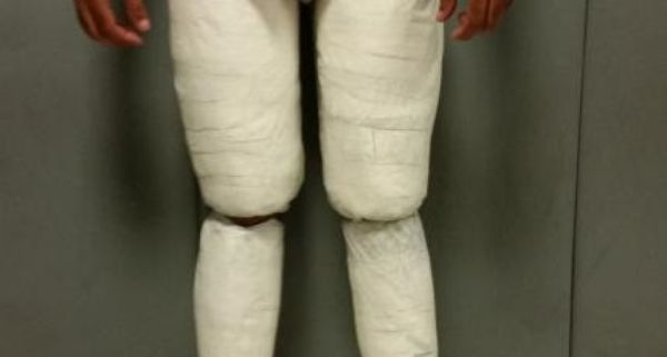 domincan man cocaine packages body new york airport
