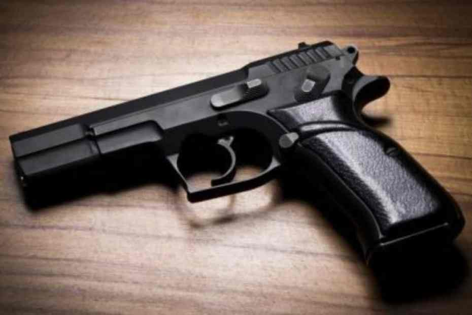 Detectives In Kingston East Division Charge Men Under  Firearms Act
