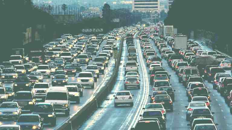 TRAFFIC DELAYS FROM THREE MILES TO MANDELLA HIGHWAY