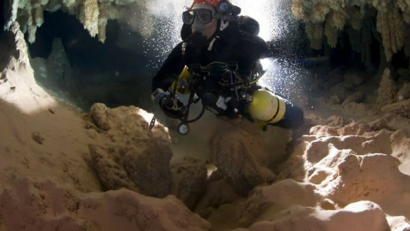Two Days in an Underwater Cave Running out of Oxygen
