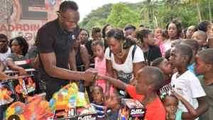 Usain Bolt Christmas Treat at Sherwood Content, Trelawny