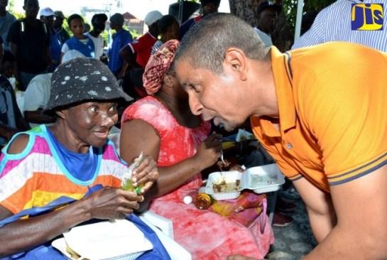 PHOTOS: Mayor's Annual Feeding of the Homeless Event
