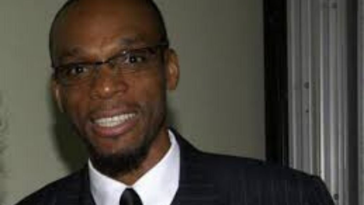 Clyde Williams quits PNP