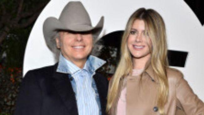 Country singer Dwight Yoakam marries girlfriend Emily Joyce