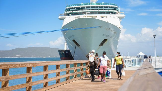 300 Jamaican ship workers disembark in Port Royal