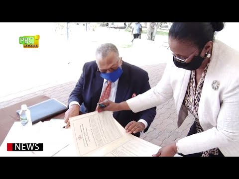 Political Leaders Sign Code Of Conduct