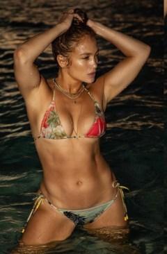 Jennifer Lopez shows off hot body in impy-skimpy bathsuit at age 51