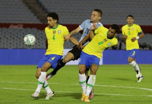 Brazil beat Uruguay 2-0 in World Cup Qualifying