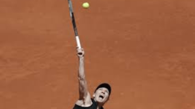Halep withdraws from French Open with a left calf injury