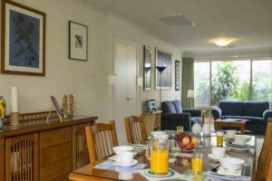Bellevue Breakfast  Set Table