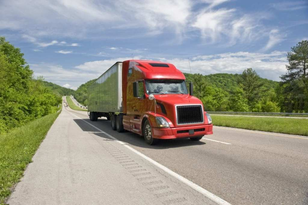 Tips On Driving Around Trucks On Tennessee Highways Mcmahan Law