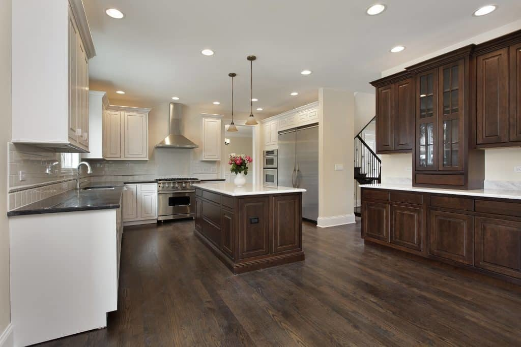Cabinet Refacing vs New Cabinets - Which is better for your kitchen?