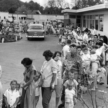 Line for polio vaccine, 1960