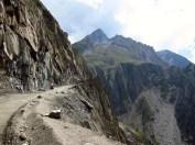 138 'Living On The Edge' - Kashmir
