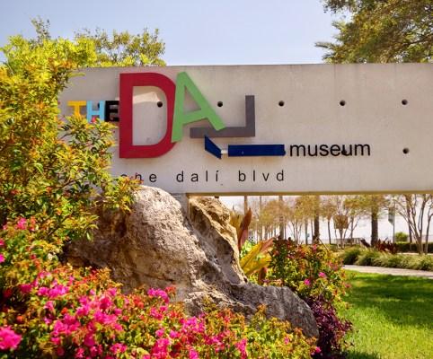 Dali-Museum-Sign