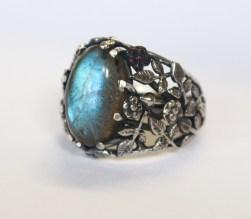 Roses ring: silver, labradorite.