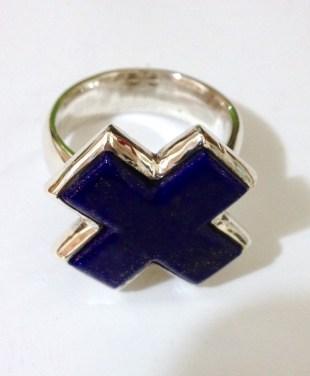 Ring with Lapis Lazuli X: silver, lapis lazuli