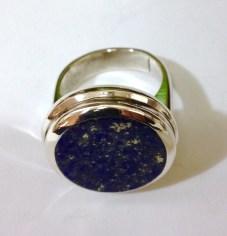 Ring with Circular Lapis Lazuli: silver, lapis lazuli