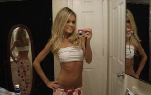 a-hot-girls-photo-mirrors-2