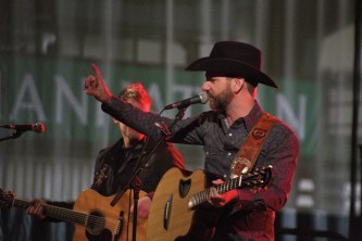 Craig Campbell performed a set before Kellie Pickler came onstage. Photo by James O'Connor.