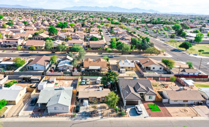 8665 W Ironwood Drive, Peoria AZ 85345 Wholesale Property Listing for Sale