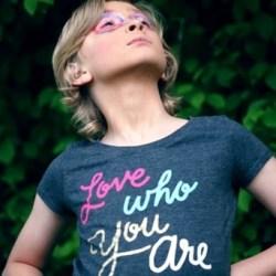 love who you are, confidence, personal branding (image unsplash @ sharon mccutcheon)