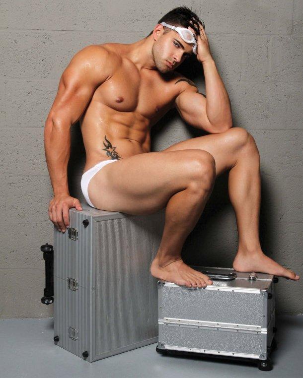 Modelo Yadier Rodriguez, Fotografiado por Abel Cruz para a DNA Magazine