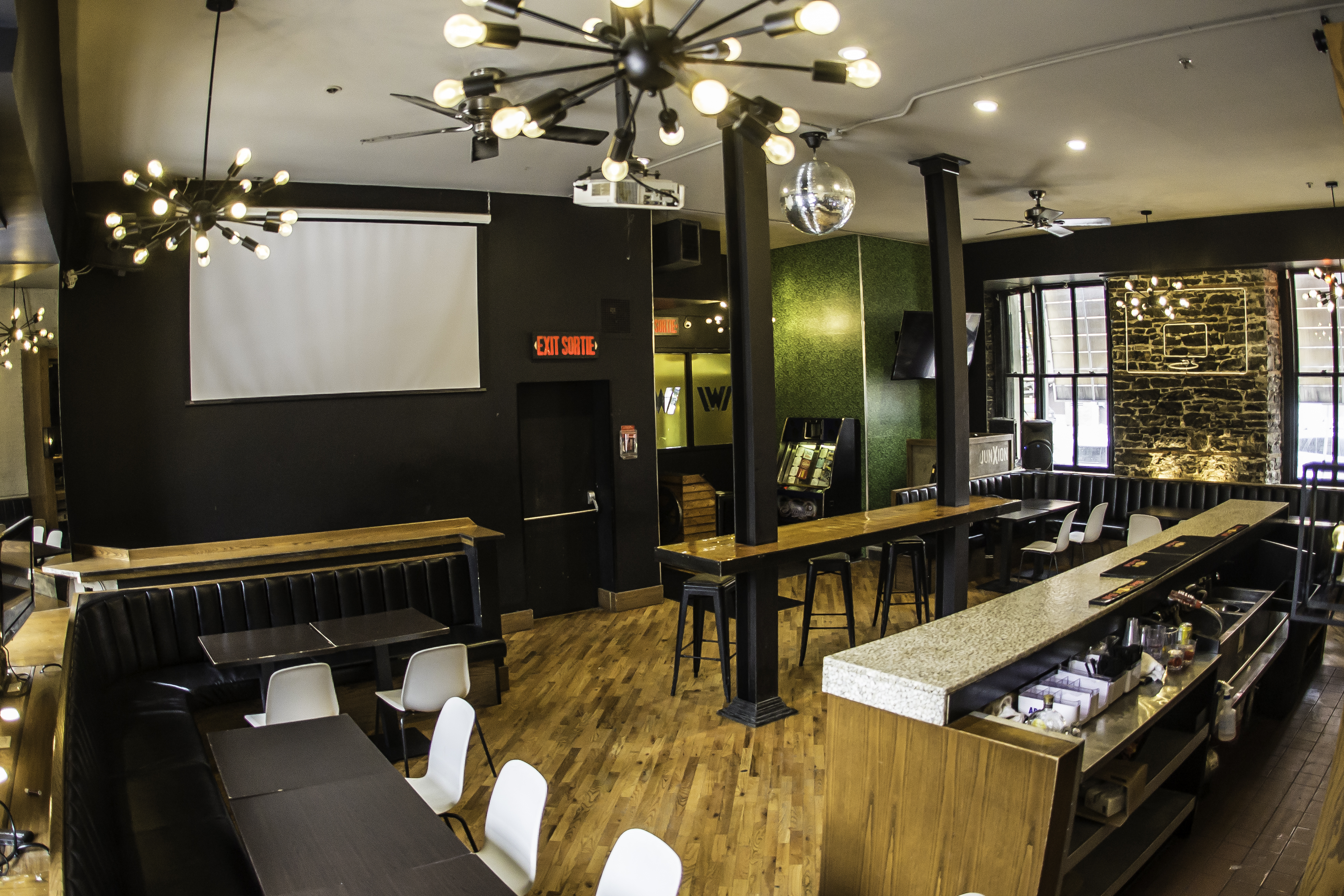 15 George Street - downtown ottawa bar and restaurant for lease