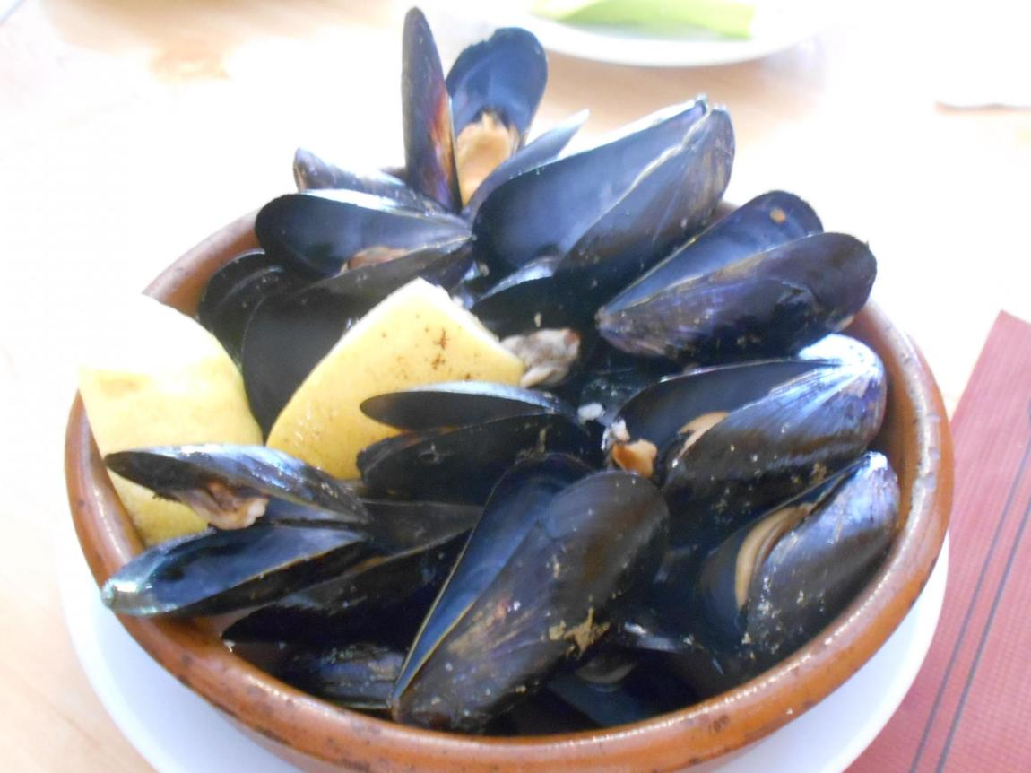 The mussels were plump, juicy and worth a 10