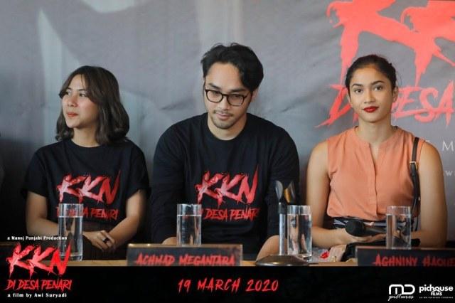 Press Conference perilisan Teaser Poster dan Teaser Trailer KKN di Desa Penari bersama produser dan para pemain