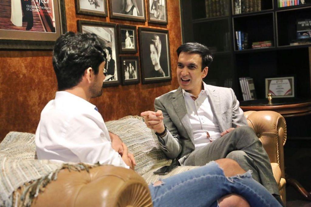 Kapan lagi bisa di-interview dengan salah satu aktor favorit saya Reza Rahadian