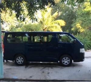 Schulbus_Blau_Haiti_3