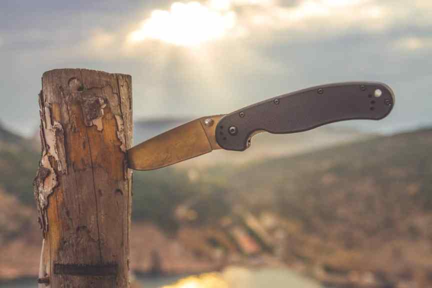 best folding knife for self-defense