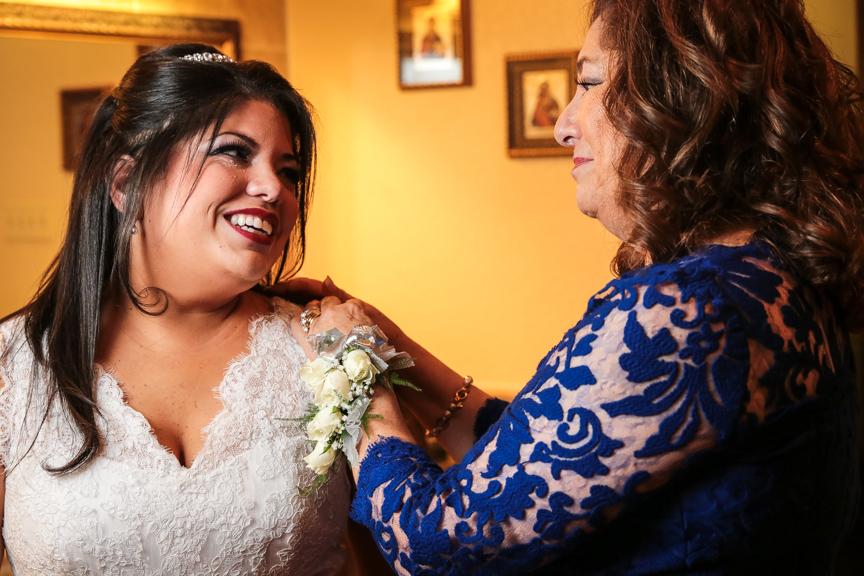 Rubi and Efrain Wedding Previews   Corpus Christi, Texas   December 27, 2014 (5/6)