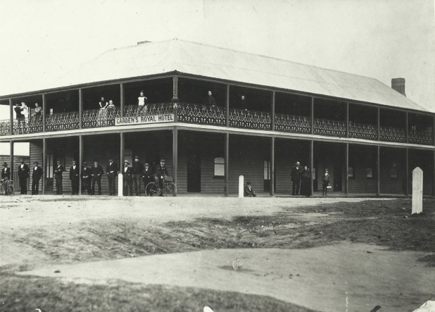 The wedding breakfast was held at Carden's Royal Hotel, Moruya.