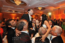 Renaissance-Chicago-Downtown-Hotel-wedding-dancing